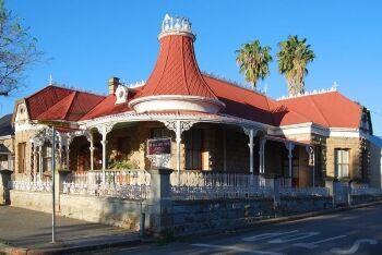 Le Roux Town House, Oudtshoorn